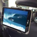 【上海問屋】車の後部座席にタブレットを固定できるアーム発売!